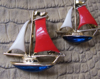 GERRY's Figural Sailboat NAUTICAL Red WHITE & Blue Enamel Boat Scatter Pins or Little Brooches. Designer Signed Set of Pins, Vintage 1970's
