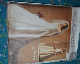 McCalls 3455 Alicyn Exclusives Misses / Misses Bridal Gown and Bridesmaids Dress Sewing Pattern - UNCUT -  Size 6 8 10