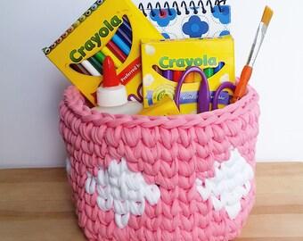 Crochet Basket - Pink with White Diamonds - Tshirt Yarn