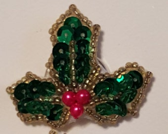 5 Vintage Holiday Button Covers Holly Leaves with Green Sequins Red Beads