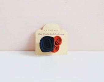 Felt brooch/ felt accessories/ felt pin/ felt flowers/ roses/ handmade/ winter accessories/ women/ gift ideas