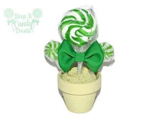Mini Green lollipop Arrangement, Green Lollipop Favor, Edible Favor, Green Favor, Green Birthday Party Favor, Birthday Idea, Favors for Boys