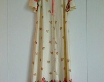 Retro vintage housecoat/dressing gown, 70's, border print, nylon jersey, non-iron