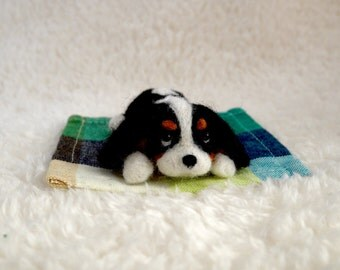 READY TO SHIP/ Needle Felted / Cavalier King Charles Spaniel / mini tricolor 04