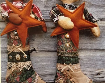 Pattern: Primitive Cloth Snowman and Gingerbread Stocking Babies by Cat and fiddle Designs
