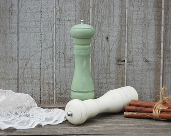 Salt Pepper Grinder Set, Tall, Sage Green, Ivory, Wood, Rustic, Shabby Chic, Hand Painted, Distressed, Pepper Mill, Grinder, Set of 2