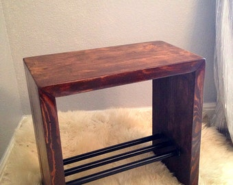 Modern industrial side table - Industrial end table - Pipe table magazine holder - Metal and Wood side table with black pipe