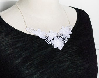 Lace necklace - silver