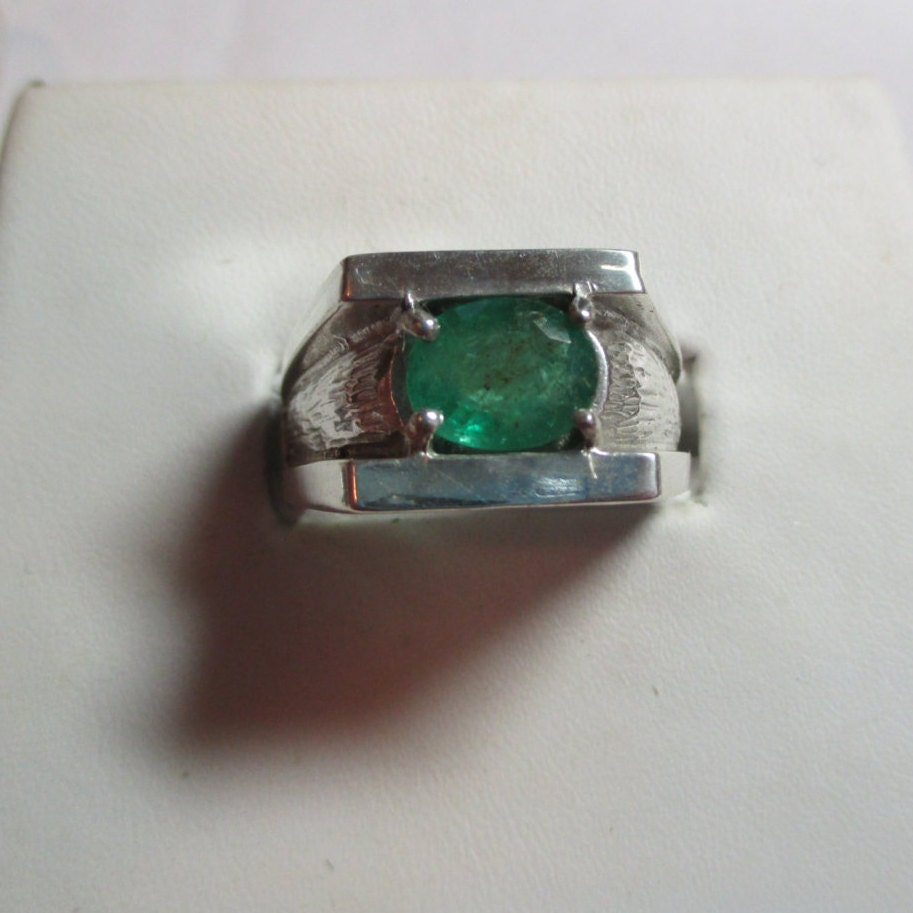 mens outstanding 1 62ct genuine emerald mens sterling ring