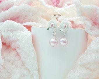 Bridesmaid Gift, Pink Pearl Earrings, Porcelain Roses, White Rose Earrings, White Rose Wedding, Pink Rose Studs, E1339
