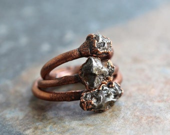 Meteorite Ring Electroformed Copper Ring Unisex Ring Outer Space Geekery Collector Gift Space Rock Ring Astronomy Gift Delicate Ring