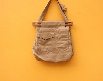 Retro Seventies Wooden Clasp Cotton Purse [Vintage Khaki Tan Brown Bag Small Retro Purse Pockets] 12 inches by 12 inches