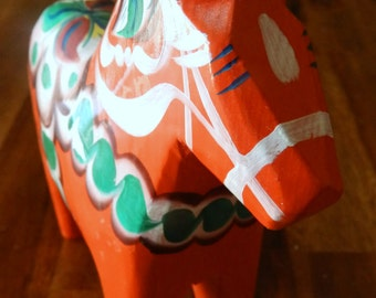 """RED Vintage Swedish Red Dala Horse--Nils Olsson--6"""" H x 5-1/2"""" L--Great Condition--Original Sticker--Excellent Condition--Picked in Sweden"""