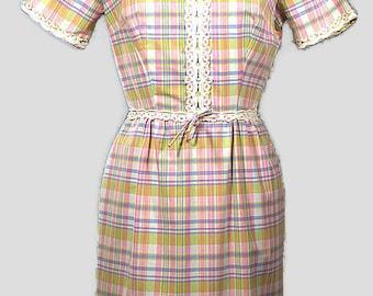 1960's Cotton Dress. Vintage Spring Cotton Plaid Shift Dress. Size Medium