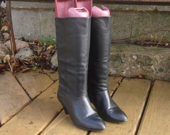 Vintage Tall Black LEATHER Pull On RIDING Boots~7~
