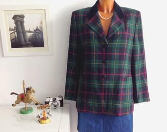Vintage 80s Burberry Women's Green an blue Jacket Blazer, Plaid print. SIZE UK 14, USA 12.