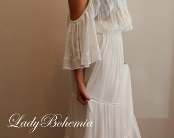 Bohemian off-shoulder dress with flowy lace detailing