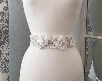 Bridal Sash, Wedding Dress Belt, Flower Crystal Bridal Sash, Swarovski Crystal, Wedding Dress Belt, Bridal Sash Belt