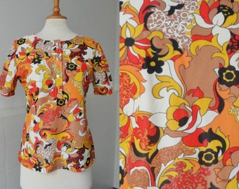 70s Vintage Blouse // Flower Print In Bright Colors