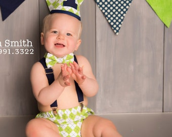 Boy Cake Smash Outfit, Bow Tie and Diaper Cover, Cake Smash Outfit, Boys 1st Birthday, Birthday Outfit, Boys Birthday, Green Argyle