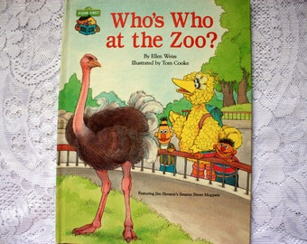 Who's Who at the Zoo? - Sesame Street Muppets Book - Zoo Animals Book