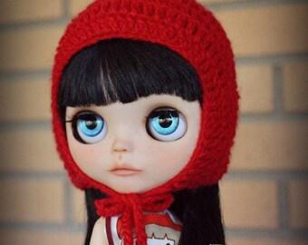 Pompom hat for Blythe