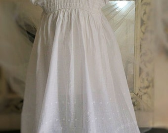 Antique french christening gown, linenpercale mbroidered, 1910s