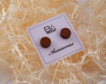 Mearbau veneered plywood earrings. Wooden earrings. Round stud earrings.