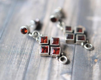 Sterlng Silver and Garnet Dangle Drop Earrings