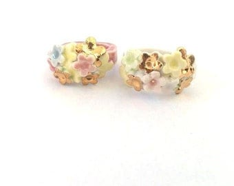porcelain and gold rings-rings in China and gold