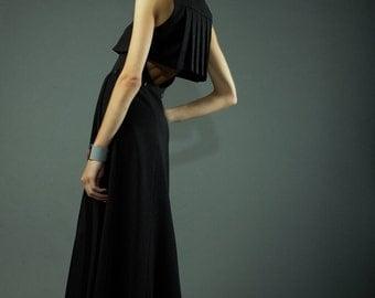 Black maxidress, pleated back detail