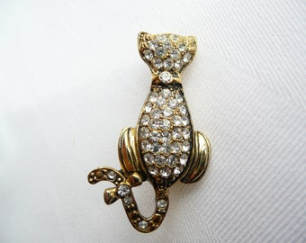 Sparkling Cat Brooch Pin adorned with Clear Rhinestones