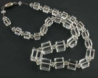 Art Deco 1920's graduated crystal cube necklace. nlad956(e)