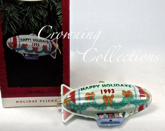 1993 Hallmark Tin Blimp Holiday Fliers Keepsake Ornament Pressed Tin Series Vintage Christmas CUTE! MIB