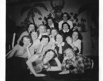 Snapshot 1940s Pretty  Strong Teenage Girls Group Shot Photo High School Party This is feminism