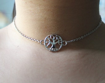 "Silver ""Tree Of Life"" Chain Choker Necklace."