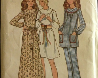Butterick 6261 - 1970s Boho Prairie Dress or Smock Top and Pants - Size 10