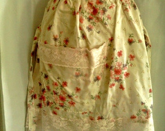 Vintage Half Apron with Lacy Pocket