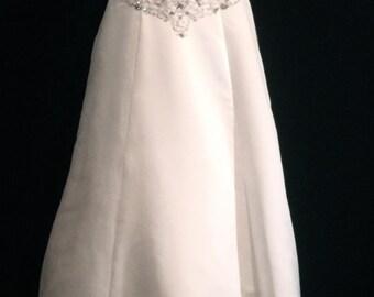 Rhinestone Strapless Wedding Gown       VG164