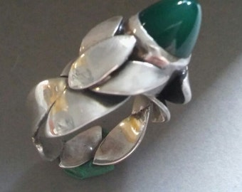 Knopse agate sterling silver ring / agate Flowerbud sterling silver ring