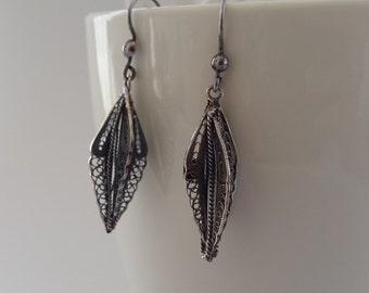 Beautiful Four-Dimensional Silver Earrings, Sterling Silver Filigree Earrings Plumas de Angel, Dark Oxydized Silver, Handmade in Spain