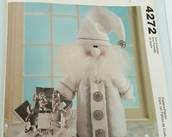 2003 McCall's 4272 Silver and White Santa Sewing Pattern Uncut FF