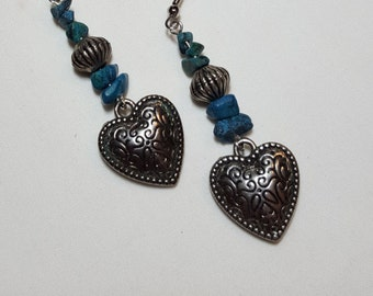 Turquois heart southwestern dangle earrings, antique silve color heart with turquois chips, drop