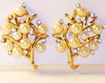 Vintage Crown Trifari Gold Tone Faux Pearl and Crystal Rhinestone Clip Earrings  (E-1-6)