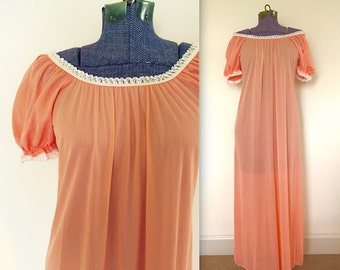 Vintage 1970s Peach Farmers Daughter Puff Sleeve Maxi Nightgown