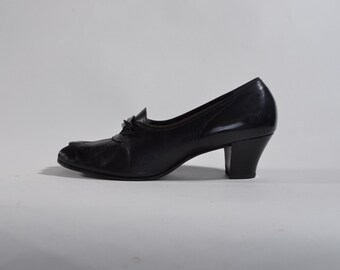 Vintage 1940s Peep Toe Shoes - Black Leather War Era Fashions - Size 9