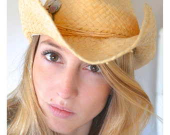 Vintage Roxy Cowgirl Hat River Beach Straw Summer Hat 100% Paper Straw Western Ranch Rancher Shells Beads Grass String