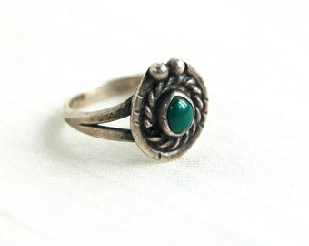 Green Turquoise Ring Size 6 .5 Southwestern Boho Jewelry Vintage Sterling Silver Lasso Rope