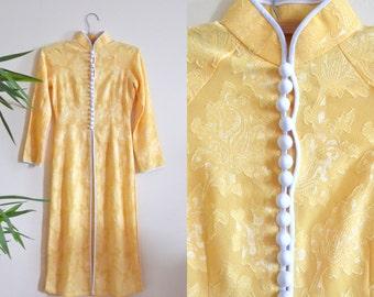 Gorgeous Vintage Cheongsam Robe, Yellow Brocade Qipao Dress, Asian Hourglass Robe, Mondrian Collar, Oriental Kimono, Side Slits, Opium Den