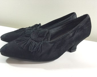 Black Suede Leather Pointed Tasseled Retro Victorian Style Pumps by Leather Collection Ladies size 8